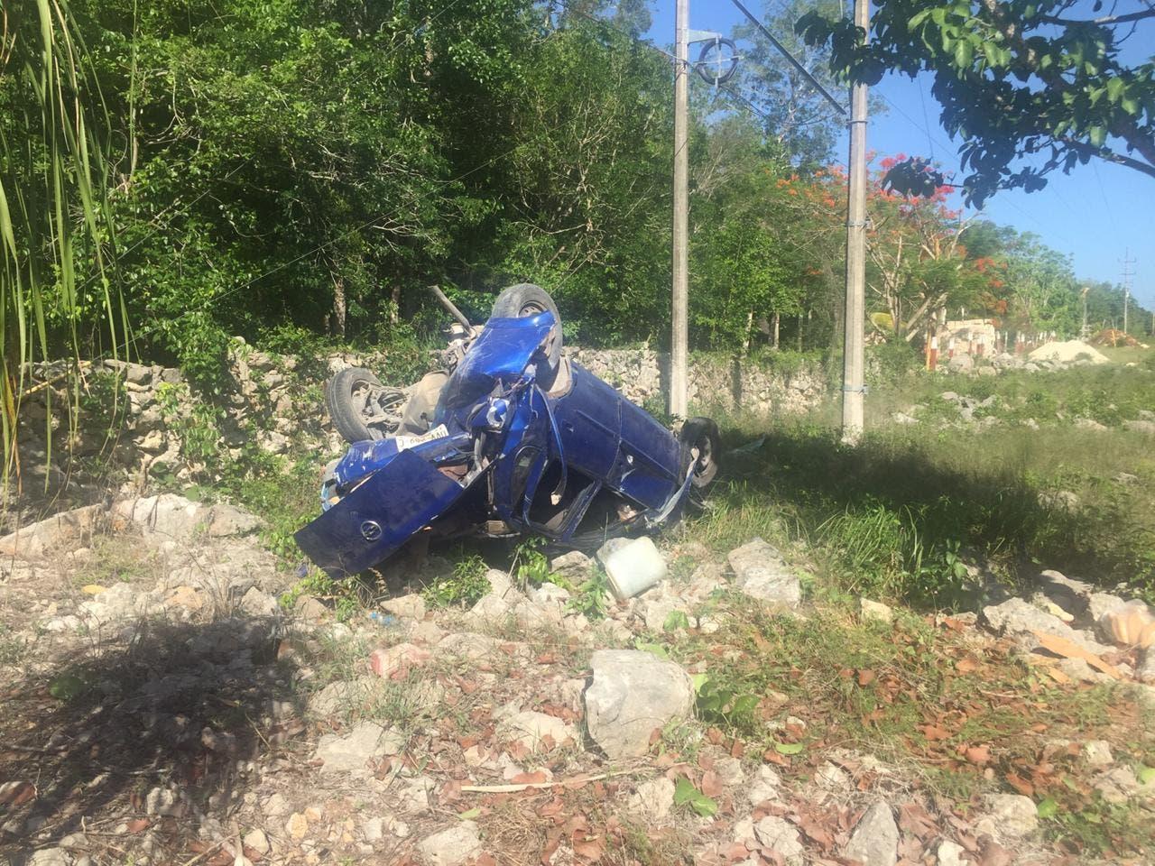 Sufren padre e hijo aparatoso accidente en Tulum.