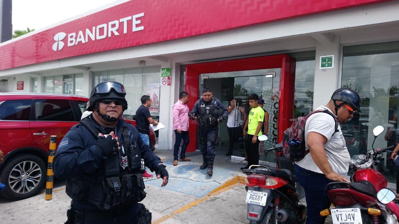 Capturan a dos ladrones del Banorte Cancún
