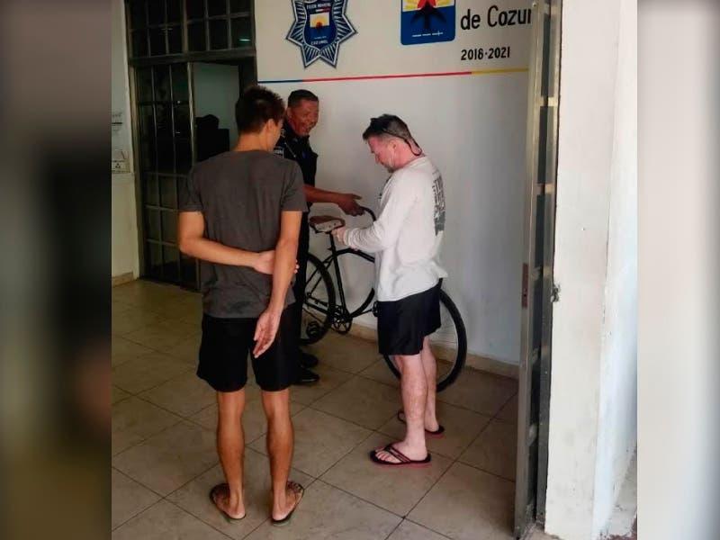 Policías de Cozumel recuperan bicicleta robada