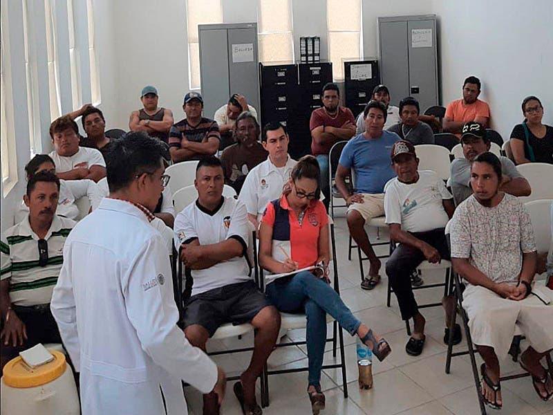 Imparten curso a los hombres del mar para evitar descompresiones