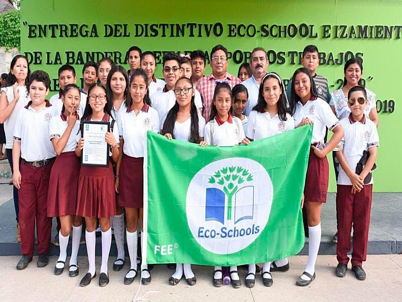 Entregan distintivo internacional ´Eco-Schools´ a dos escuelas de Leona Vicario