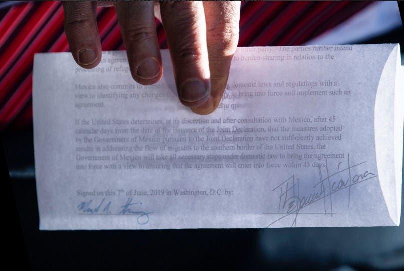"""Documento presentado por el presidente de EU, Donald Trump, y que según él sería el """"acuerdo secreto"""" con México."""