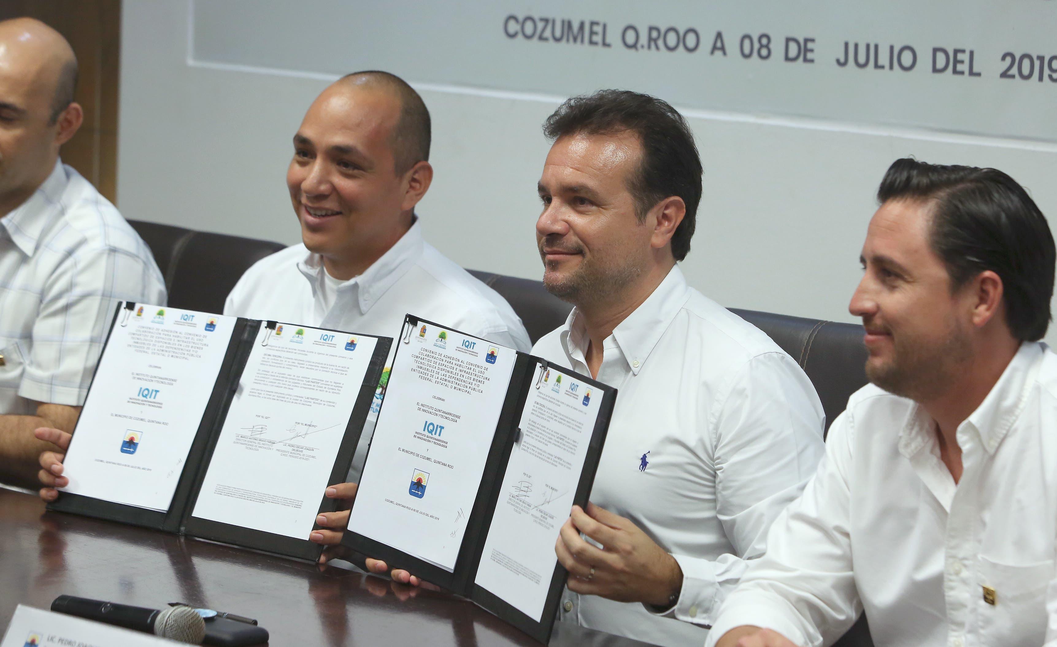 Pedro Joaquín respalda el trabajo del DIF Cozumel
