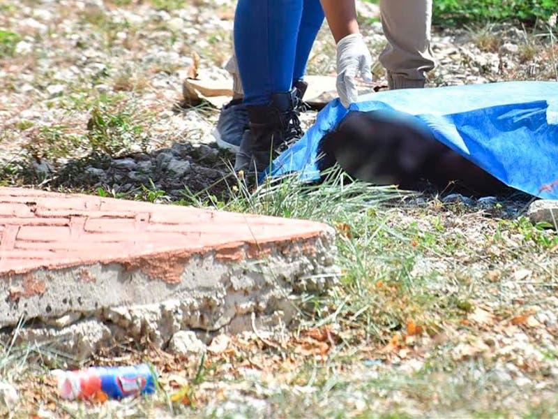 Encuentran cuerpo sin vida frente a un parque en Azul Bonampak
