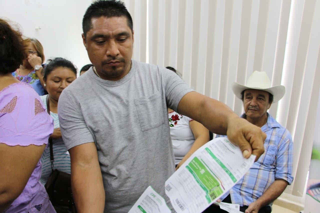 Toman oficinas de CFE por altos cobros en zona maya