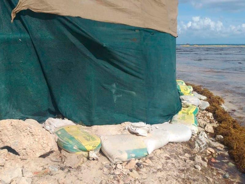 Obra en Solidaridad que presuntamente tiraba cemento al mar