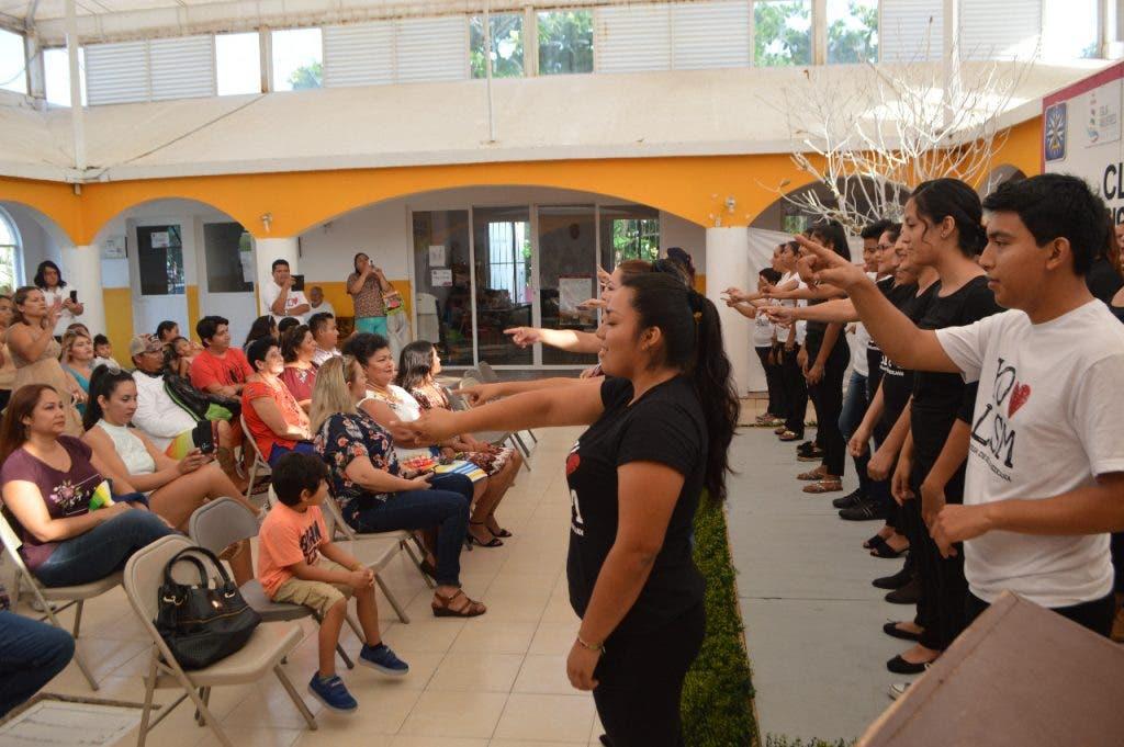 """Convocatoria para el segundo """"Curso de Lengua de Señas Mexicanas"""" y """"Curso del Sistema Braille"""""""