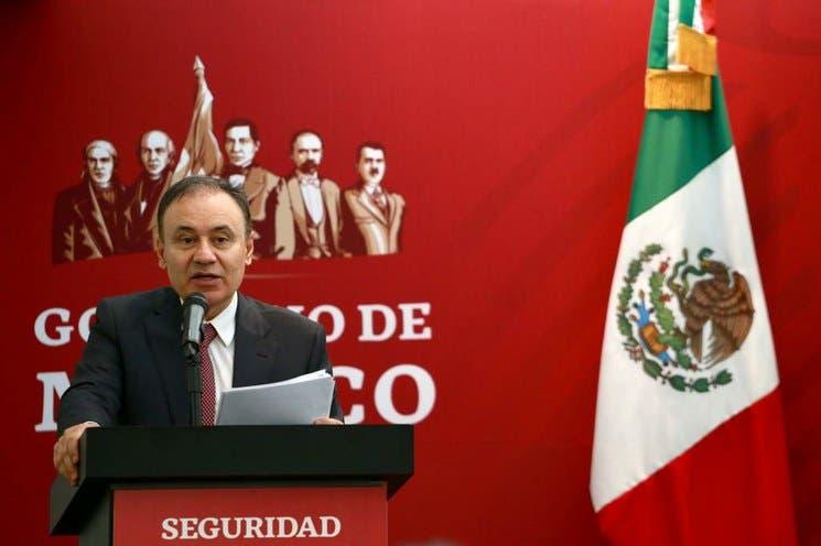 """Felipe Calderón es la """"mano negra"""" en la PF: Durazo"""