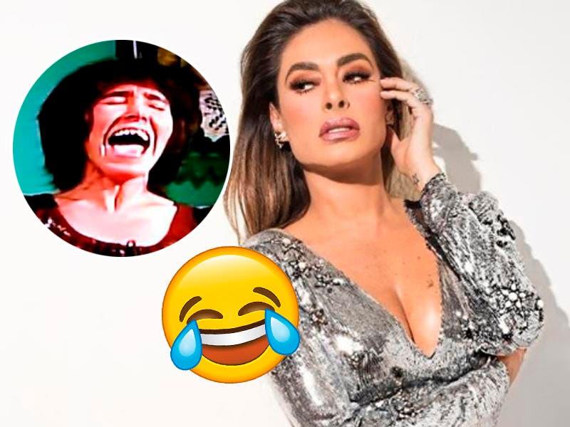 """Galilea Montijo """"canta"""" y da vergüenza a sus fans"""