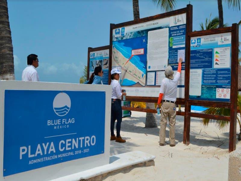 """Todo listo para el izamiento de las banderas """"Blue Flag"""" en Isla Mujeres"""