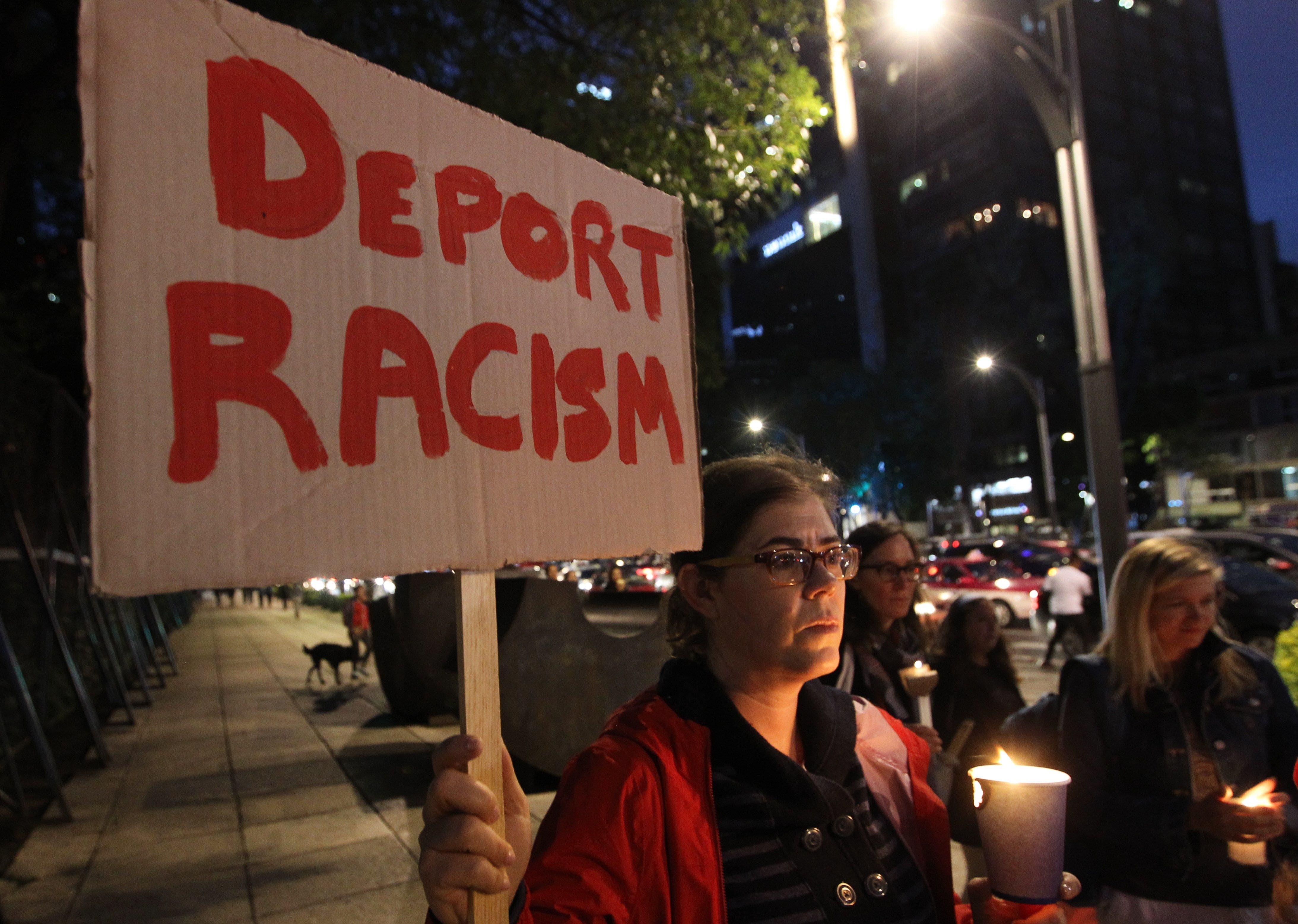 Frena Trump asilo a migrantes que pasen por México