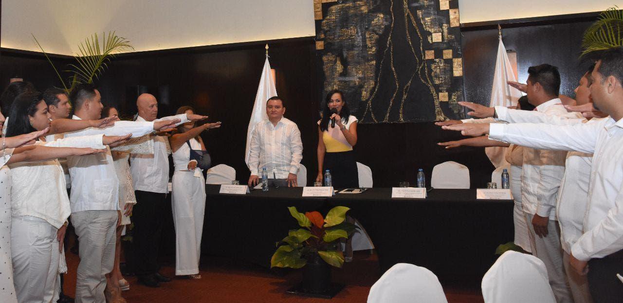 La también presidenta de la Conamm toma protesta al Consejo Directivo de la Barra de Abogados del municipio y da la bienvenida a los nuevos integrantes