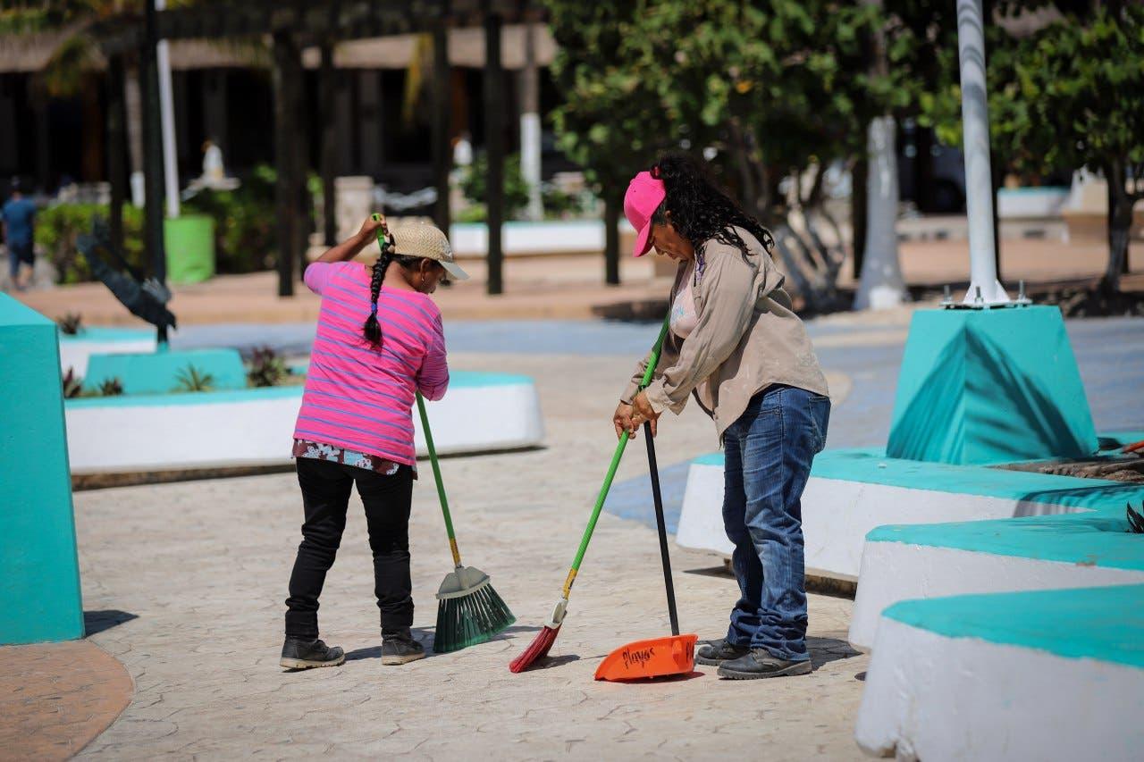 Se intensificaron las distintas tareas, dando mayor énfasis al barrido, recolección de basura y limpieza de sargazo
