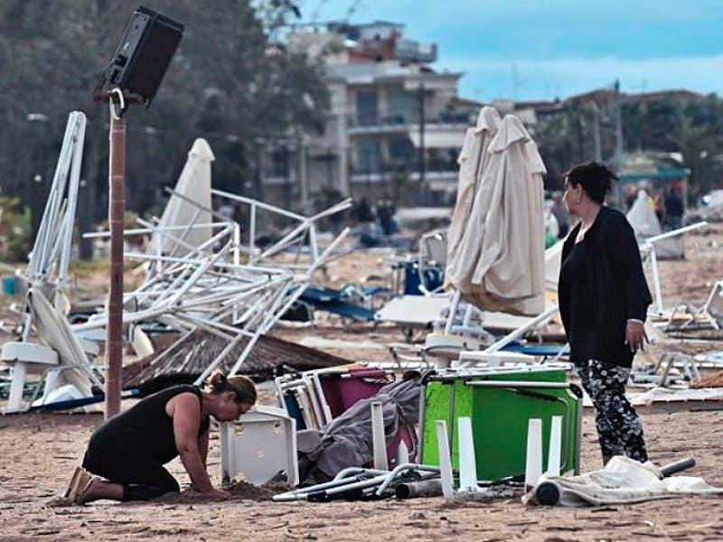 Fuerte tornado mata turistas en Grecia