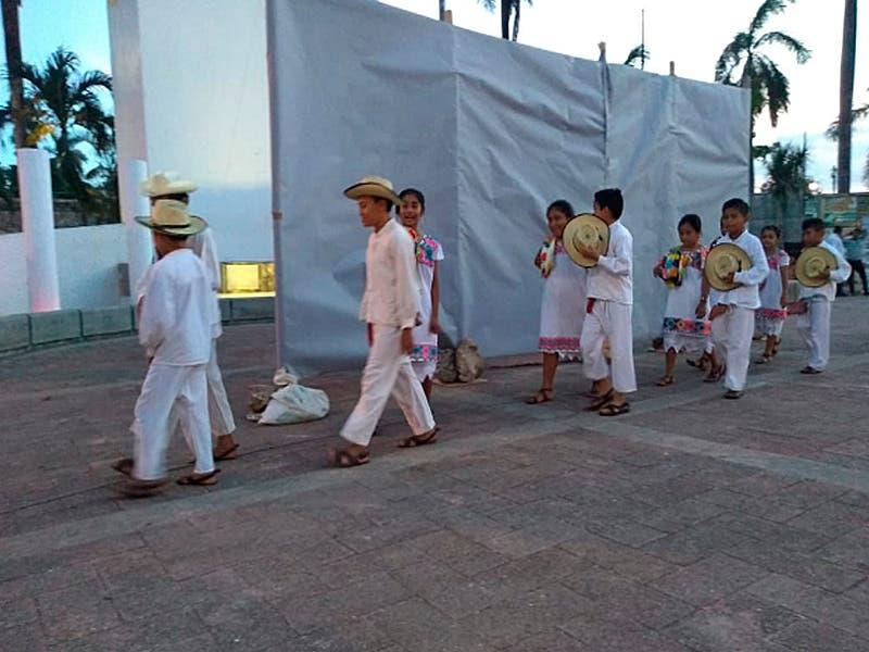 Caravana de diálogo 'El Tren que nos une' en Felipe Carrillo Puerto