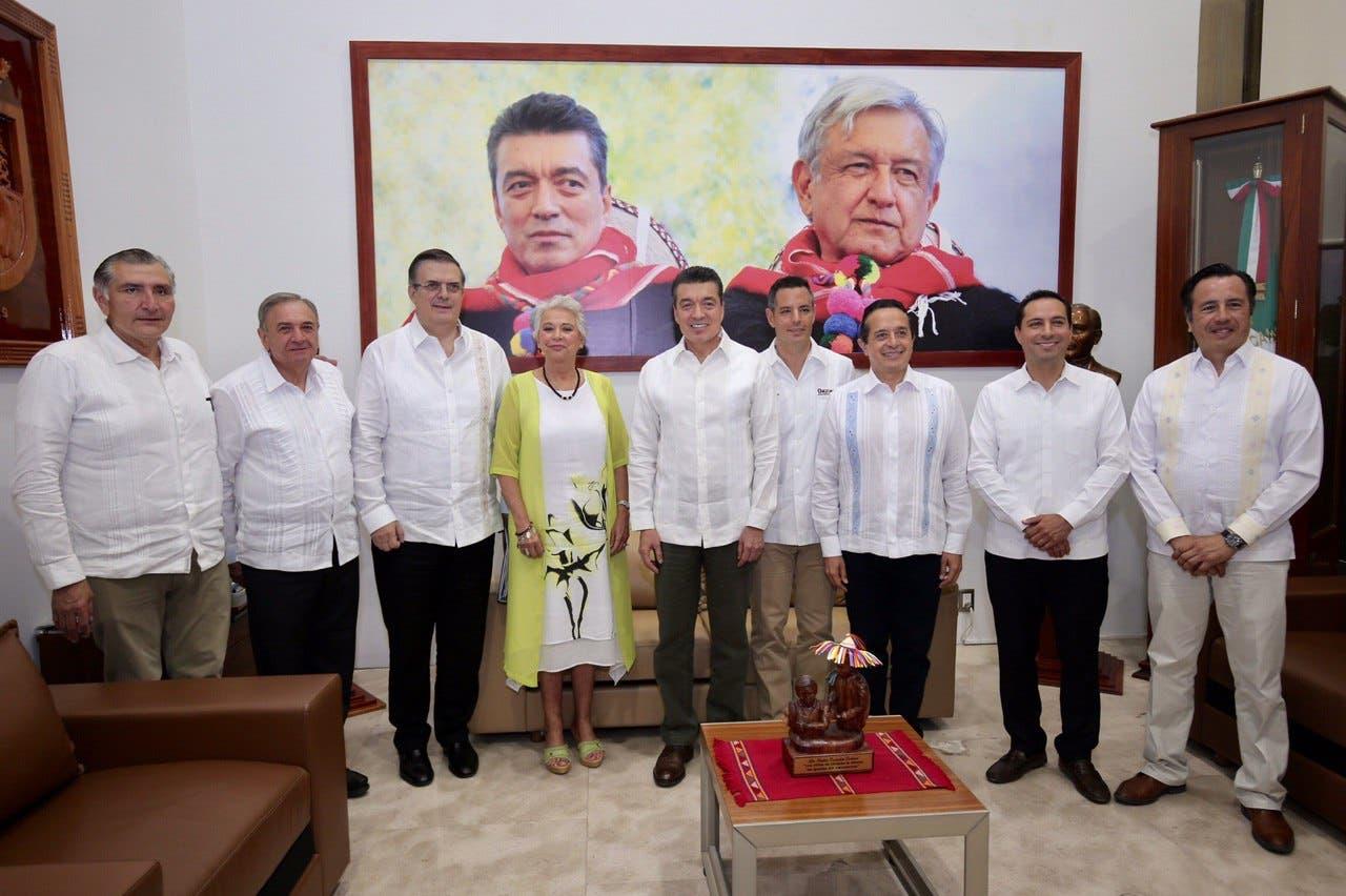 El gobernador Carlos Joaquín participó en la Reunión de Trabajo y Evaluación de la Estrategia de Seguridad y Migración en la Zona Sur-Sureste