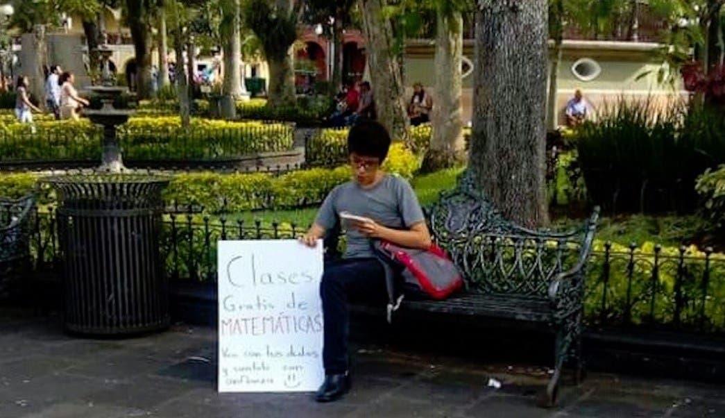 Joven recibirá beca por dar clases de MATEMÁTICAS GRATIS