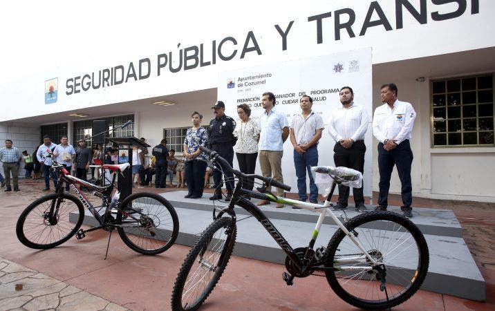 """El Presidente Municipal, Pedro Joaquín Delbouis, encabezó el evento de premiación del programa """"Seguro que puedo cuidar mi salud"""""""