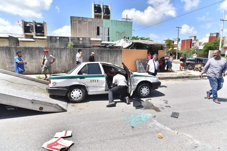 Aparatoso accidente deja una mujer lesionada