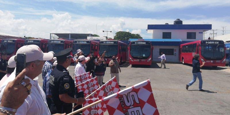 Circulan nuevos autobuses hacia la Zona Hotelera de Cancún.