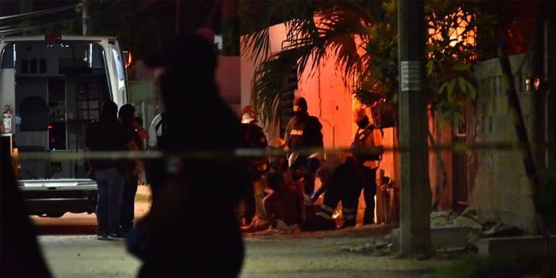 Reciben a balazos a policías en un cateo en la región 219.