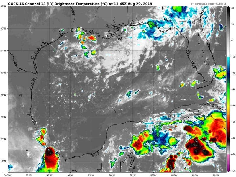 Clima: Afectará la onda tropical 31 a Quintana Roo; para hoy martes se esperan lluvias y chubascos con intensa actividad eléctrica para la entidad.