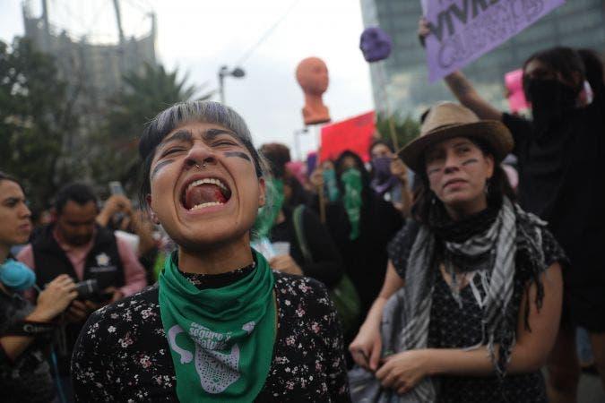 Grupos de choque infiltrados o anarquistas a lo tarugo, las imágenes hablan por sí solas.
