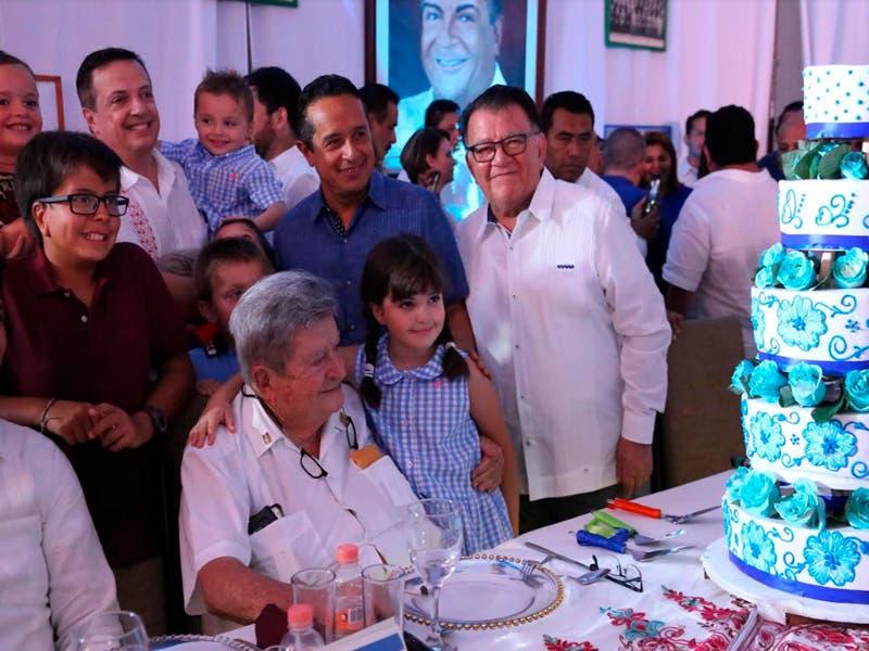 Don Gastón Alegre López, celebra su cumpleaños 86