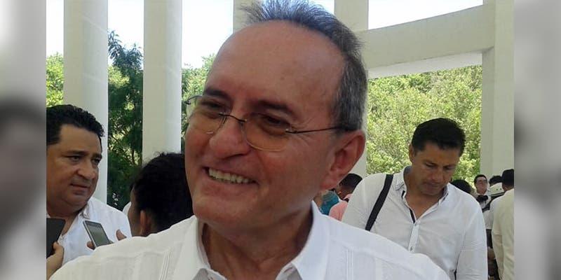 Francisco López Mena es elegido como nuevo rector de la UQROO