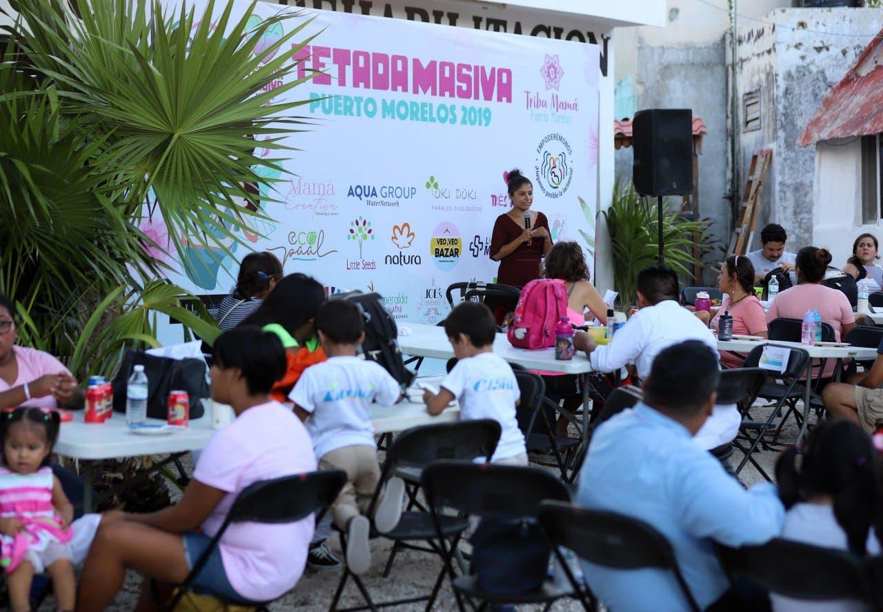 El DIF municipal y el grupo Tribu Mamá Puerto Morelos organizaron conferencias en el marco de la Semana Mundial de la Lactancia Materna