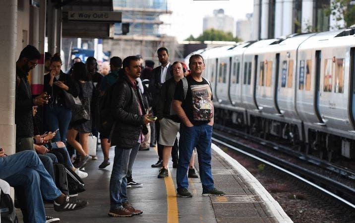 Apagones afectan a Londres y sureste de Inglaterra: Vídeos