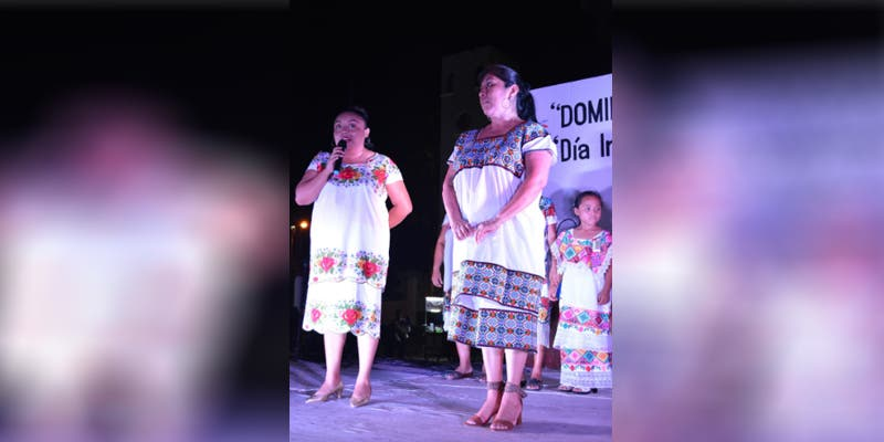 Mujeres mayas de Xpichil ganan concurso de bordado