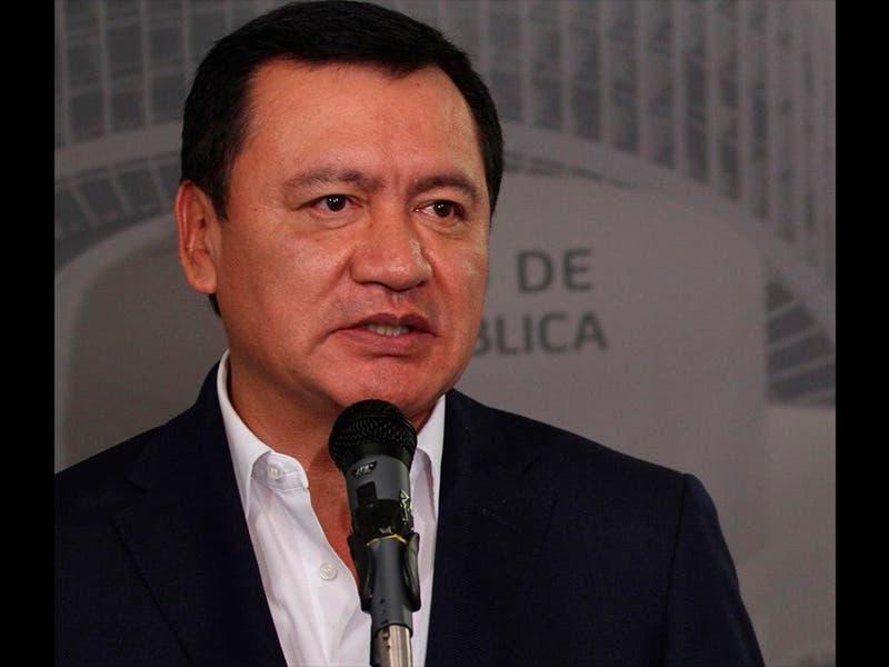 Osorio Chong se deslinda de millonario decomiso