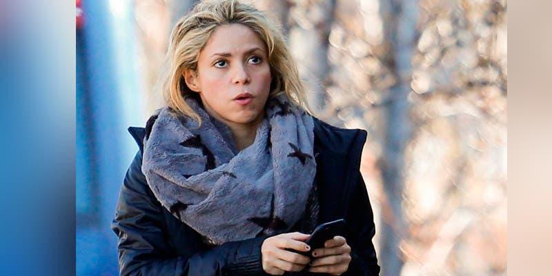 Destrozan a Shakira por visitar en 'fachas' el Consulado de Colombia