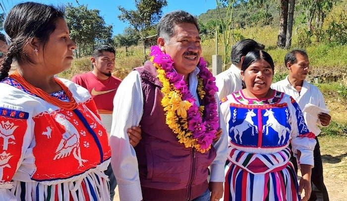 El Alcalde de Tlaxiaco, Oaxaca, Alejandro Aparicio Santiago, falleció luego de un ataque a balazos.