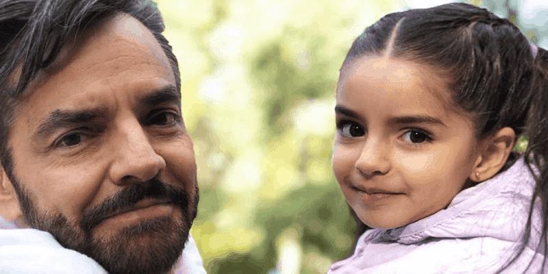 Aitana Derbez derrite las redes cantando junto a su papá
