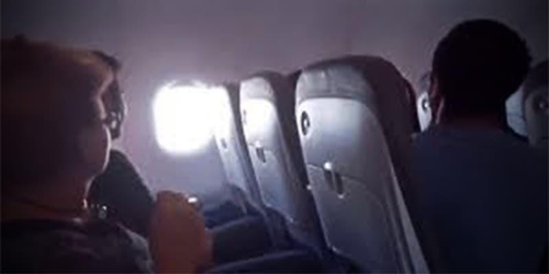 Piloto se desmaya en pleno vuelo y pasajero aterriza el avión