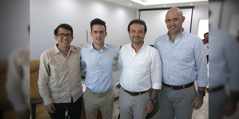 Se reúne Pedro Joaquín con representantes de HR Ratings