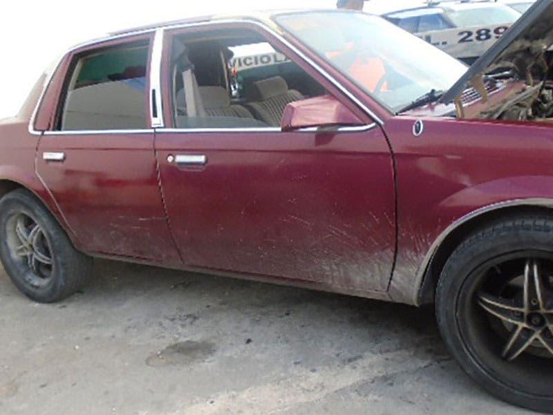 Detienen a cinco personas por robo, entre ellos un menor; cuatro de ellos intentaban darse a la fuga en un vehículo tras asaltar un comercio en la Sm 45 de Cancún.