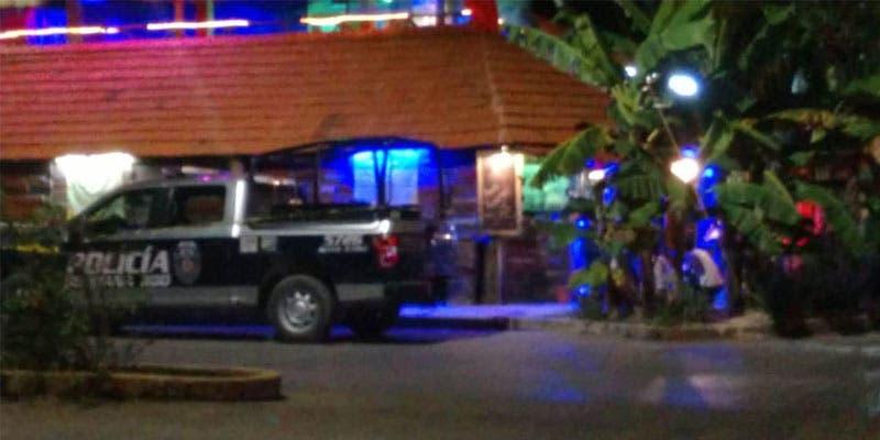 Atacan a balazos la 'Casa del Tamal'; hieren al propietario.
