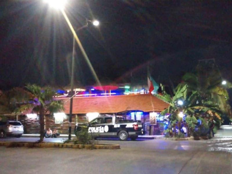 Atacan a balazos la 'Casa del Tamal'; hieren al propietario. Los hechos se registraron anoche en el fraccionamiento Santa Fe, en la Supermanzana 524.