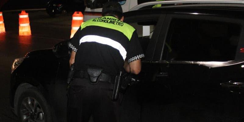 Previo al Grito detienen a 19 conductores en el alcoholímetro en Cancún