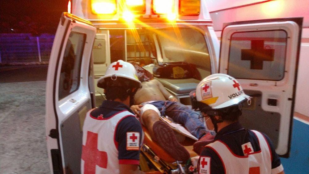 El joven herido llegó por sus propios medios a la Cruz Roja, a dos kilómetros de donde se presentó la agresión.