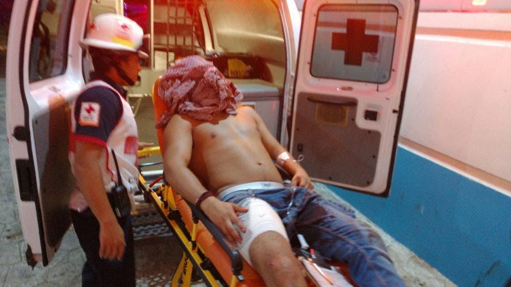 Hieren a joven al asaltarlo frente a la Plaza de Toros de Cancún