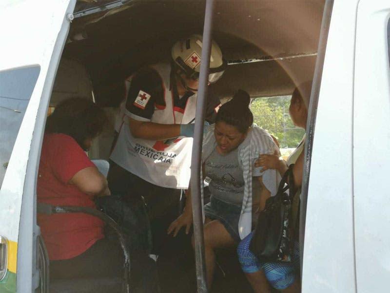 Al menos tres de los lesionados fueron llevados al Hospital General para su atención,