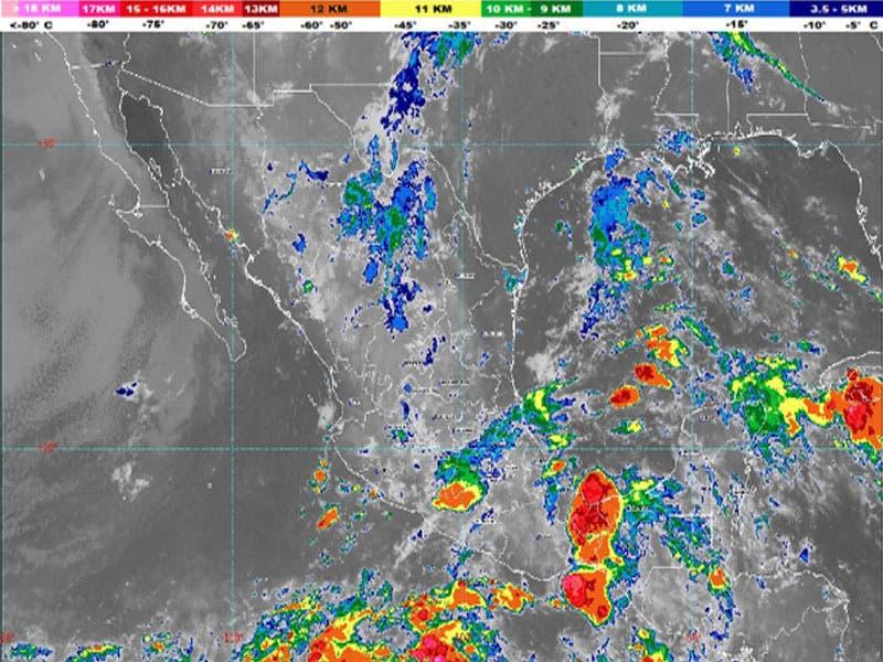 Clima: Se pronostican lluvias fuertes para Quintana Roo; canal de baja presión en la Península de Yucatán interactuará con la onda tropical 37.