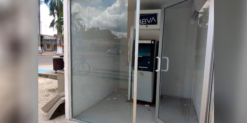 Falla cajero automático localizado en el parque de Felipe Carrillo Puerto
