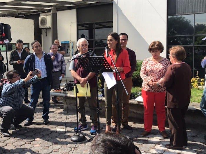Mariana Moguel, hija de Rosario Robles, en conferencia de prensa.