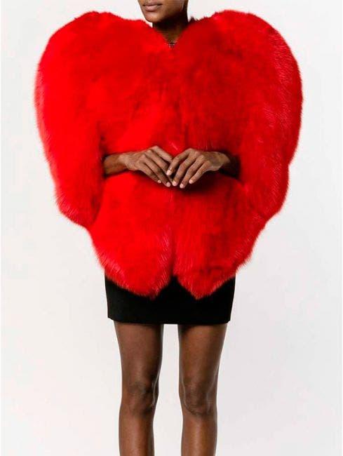 Destrozan a Thalía en Instagram por su exótico abrigo