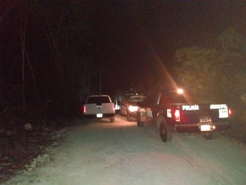 Hallan a dos ejecutados a balazos en Tulum; en unas horas se reportó la localización de los cuerpos de dos hombres con huellas de violencia.